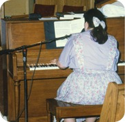 Playing the piano in 1990